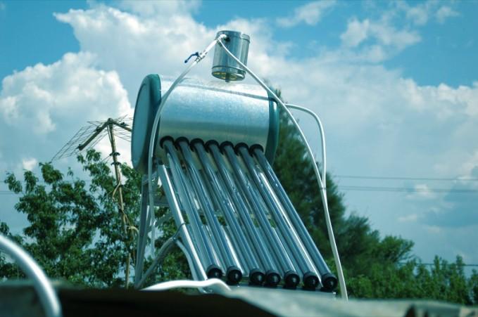 como funciona un calentador solar