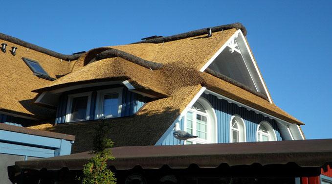 Beneficios del uso de paneles solares residenciales para - Casas con placas solares ...