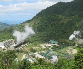 Planta de energia geotermica en las Filipinas
