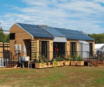 casa de madera con tecnologia solar pasiva
