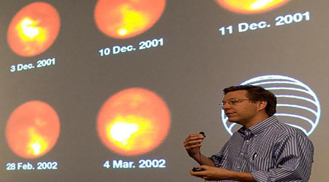 persona-hablando-de-energia-solar